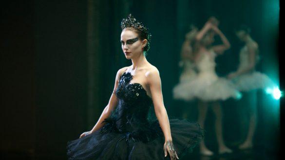 pgfx black swan 585x329 - معرفی فیلم قوی سیاه ( Black Swan )