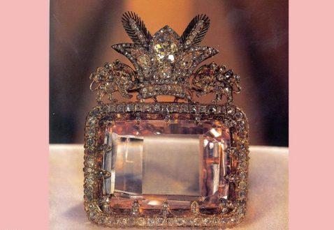 الماس دریای نور 478x330 - معرفی موزه جواهرات ملی نگین درخشان موزه های ایران