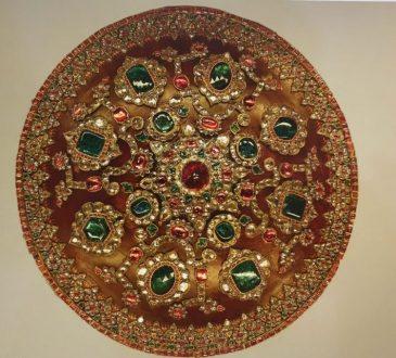 سپر نادری 365x330 - معرفی موزه جواهرات ملی نگین درخشان موزه های ایران