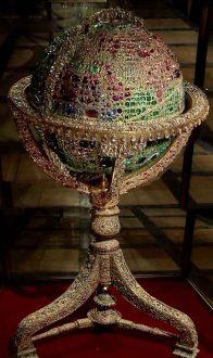15390289911653509525 196x330 - معرفی موزه جواهرات ملی نگین درخشان موزه های ایران