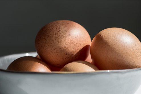 چگونه تخم مرغ ها را بشوییم؟