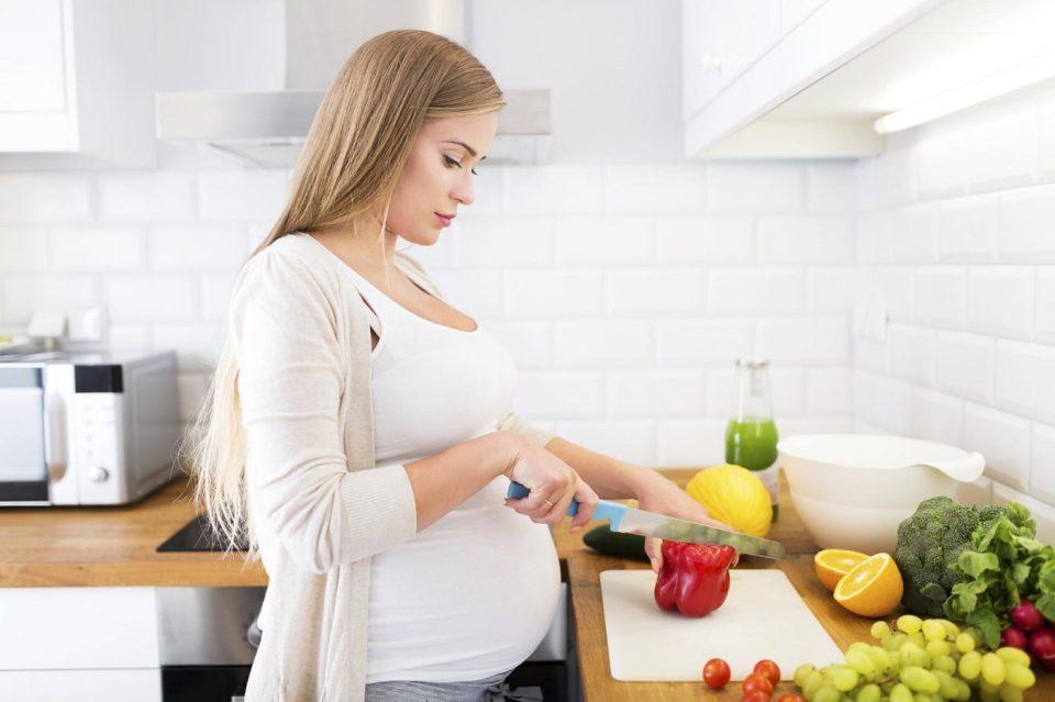 نکات تغذیه در ماه دوم بارداری برای داشتن فرزندی سالم