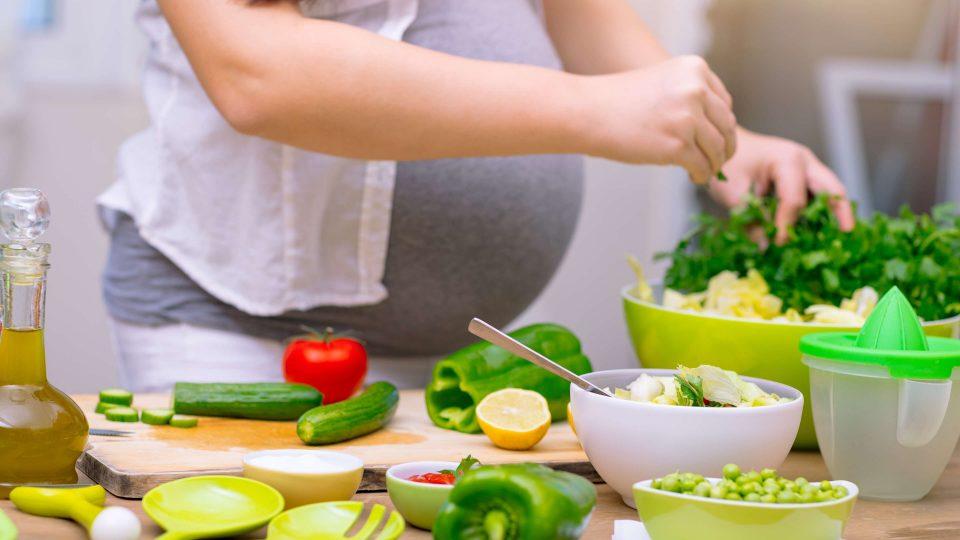 نکات تغذیه در ماه نهم بارداری برای داشتن فرزندی سالم