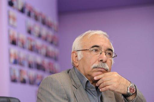 در محضر محمدعلی بهمنی دلخوشم با غزلی تازه همینم کافی است