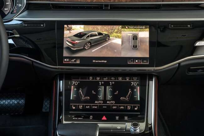 نمایشگر آئودی A8 مدل 2021