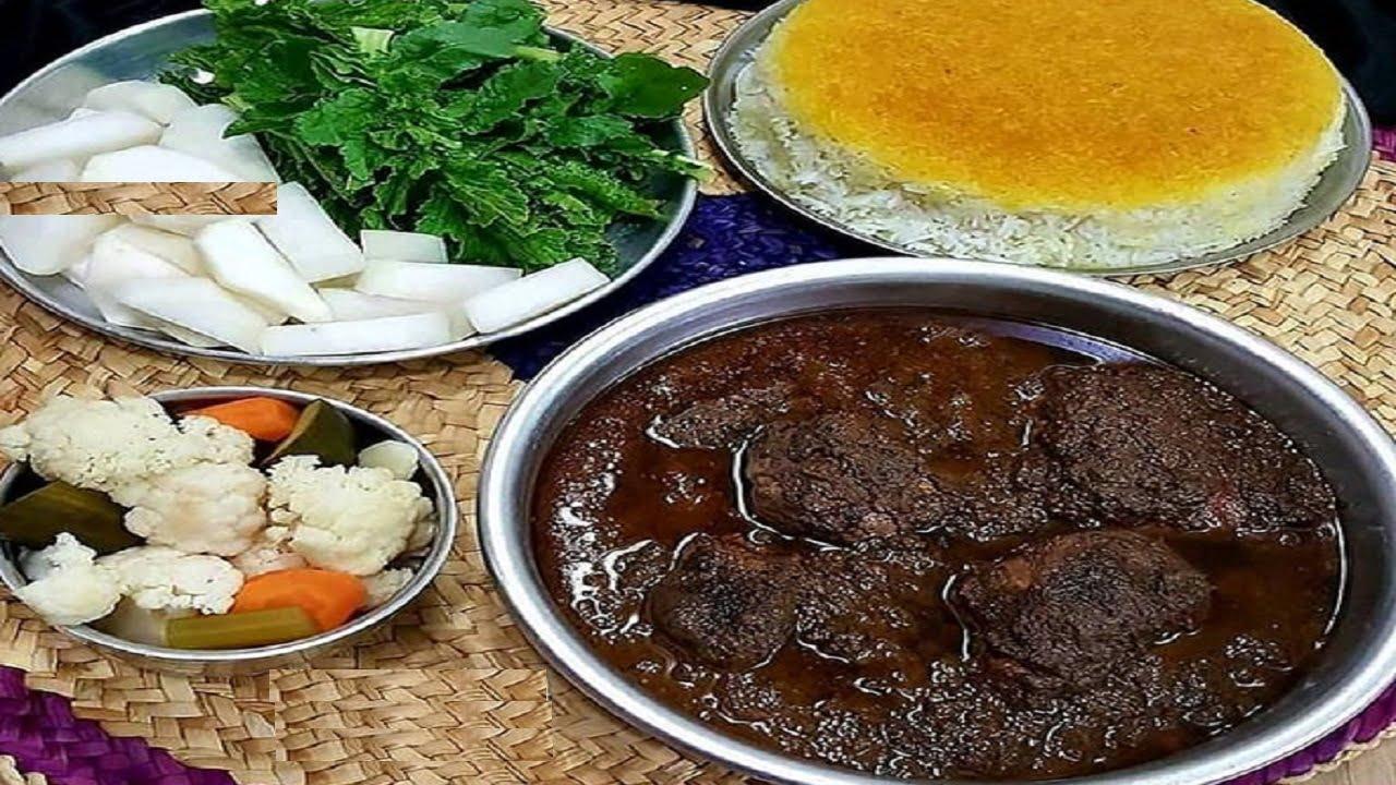 خورشت فسنجان یا فسنجون - غذاهای شب عید نوروز در شهرهای مختلف ایران