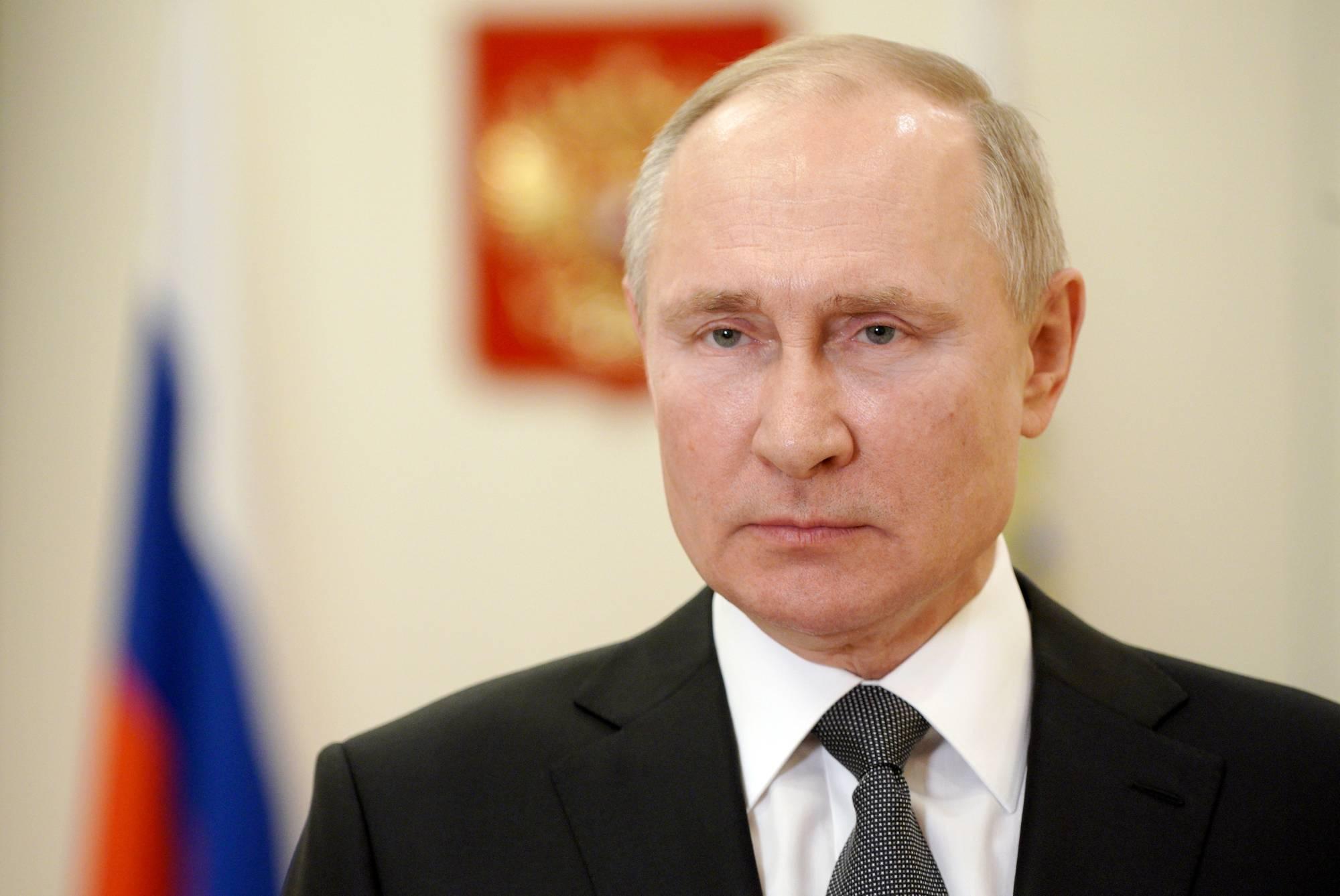 رئیس جمهور روسيه دچار عوارض جانبی واکسن كروناي روسی شد!