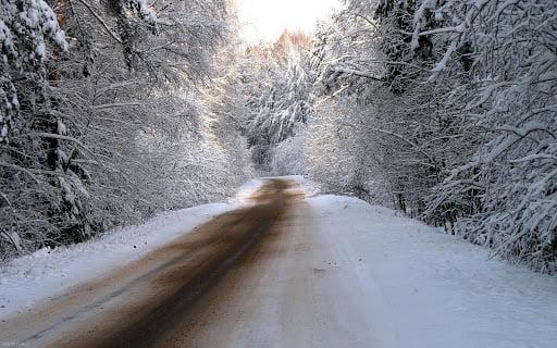 كدام جاده ها اين روزها برفی و باراني است