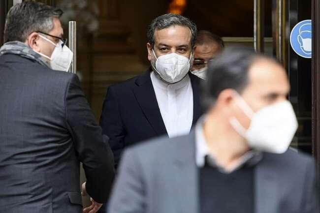 تیم مذاکره کننده ایرانی راهی وین شد