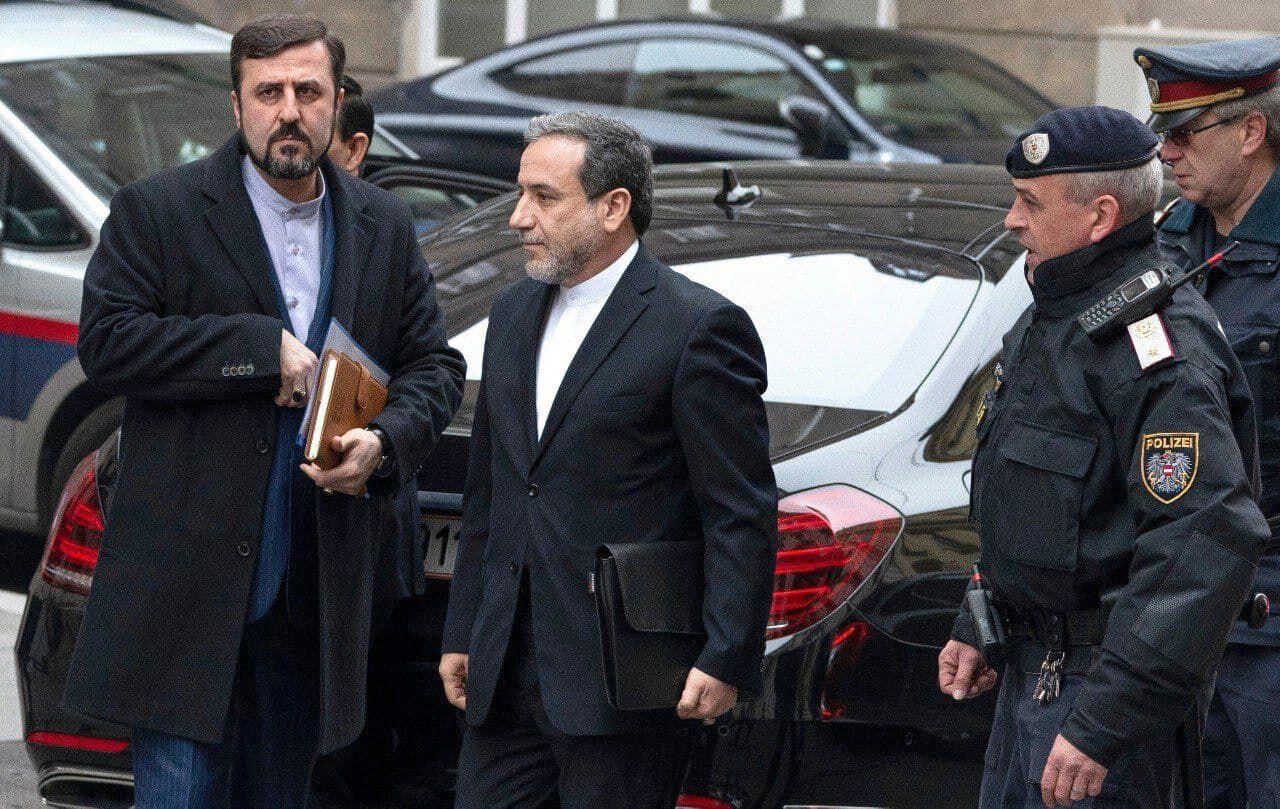 تیم مذاکره کننده ایرانی وارد وین شد