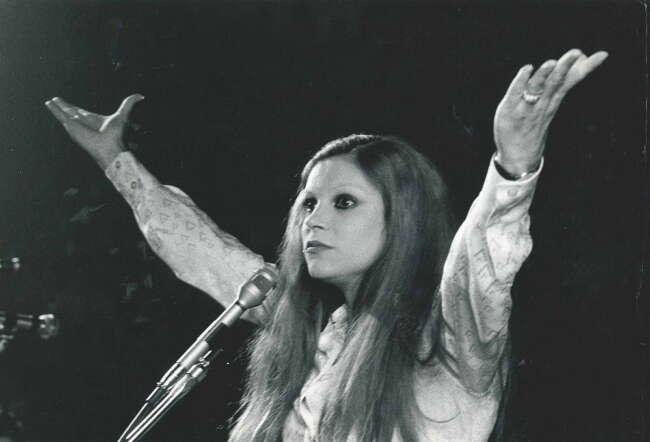 میلوا خواننده محبوب ایتالیایی از دنیا رفت