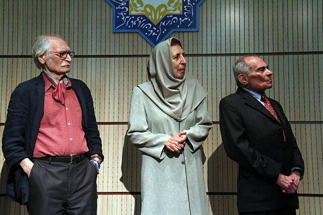 آموزگار: محمدرضا باطنی از نوادر بود