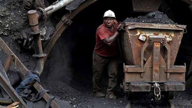 حبس شدن دو کارگر در معدن زغال سنگ