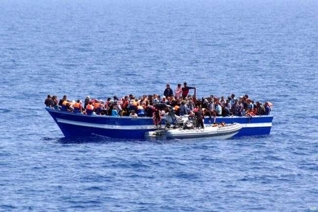 واژگونی مرگبار قایق مهاجران در لیبی