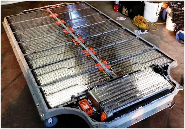تعویض باتری خودرو الکتریکی به جای شارژ باتری.png تسلا