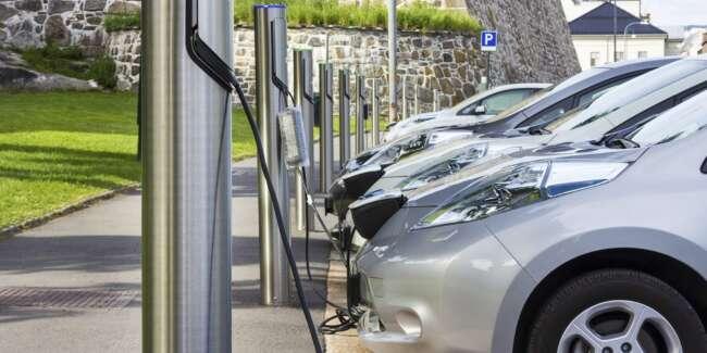 زمان طولانی شارژ کردن باتری خودرو