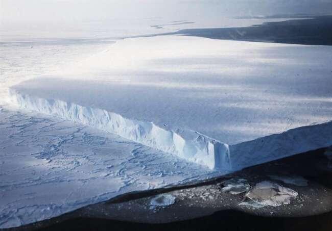 کشف 33 نوع ویروس در یخچال 15 هزار ساله