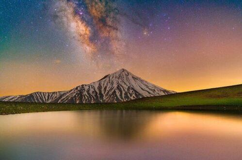 کهکشان راه شیری بر فراز قله دماوند