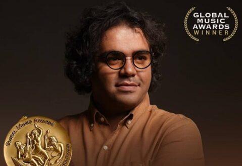 آرش اوستا جایزه بین المللی موسیقی را دریافت کرد