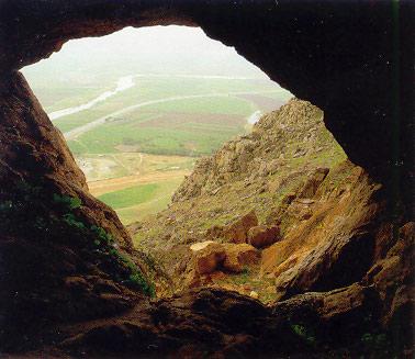 بیستون / غار بیستون