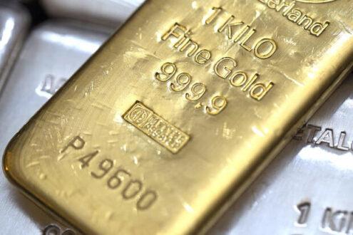 قیمت طلا با قدرت گرفتن دلار افت کرد