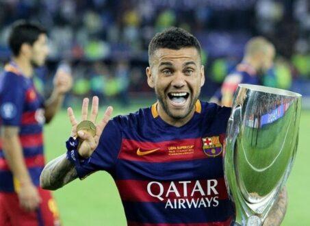 آلوس در آستانه بازگشت به بارسلونا