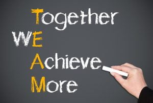 69d3ea2fde8fba9c4ca8ea33728604cd 300x201 - ایده های خوب برای یک استارتاپ موفق حاصل تلاش گروهی است
